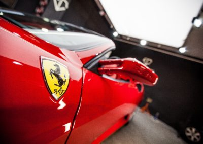 Detailing exteriéru Ferrari